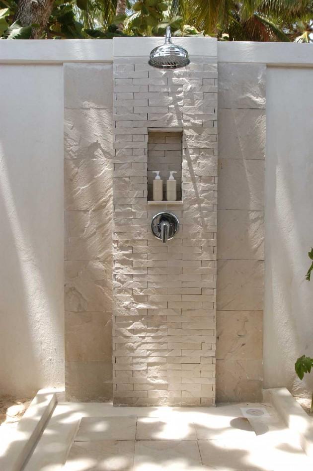 21-wonderful-outdoor-shower-and-bathroom-design-ideas (4)