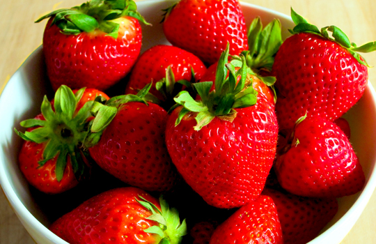 7 benefits of strawberry and beauty tips (3)