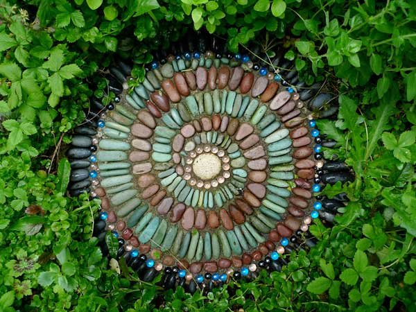 Mosaic Garden decoration ideas (25)