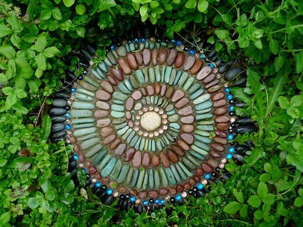Mosaic Garden decoration ideas (25)
