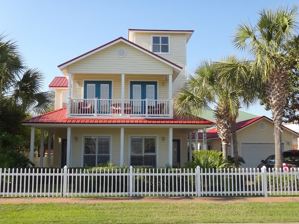 big beautiful cabin coastal house (1)