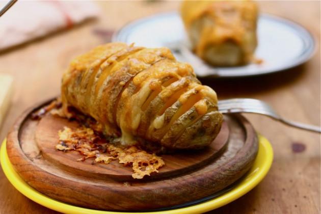 cheesy-baked-potatoes (10)