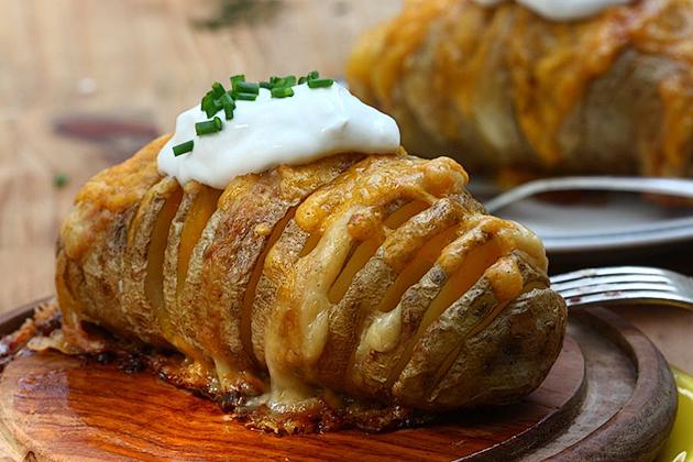 cheesy-baked-potatoes (11)