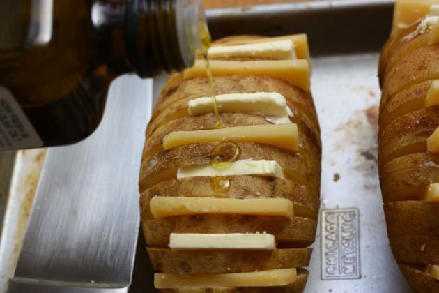 cheesy-baked-potatoes (5)