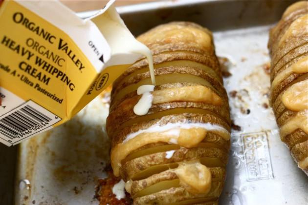 cheesy-baked-potatoes (7)