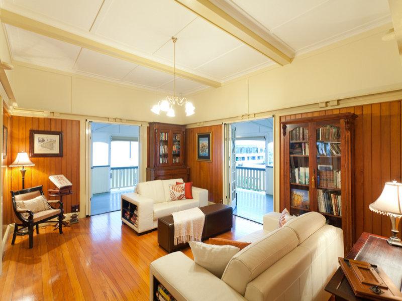 classic renovated elegant house (4)