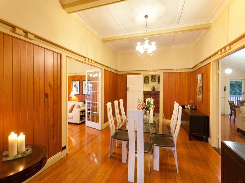 classic renovated elegant house (5)