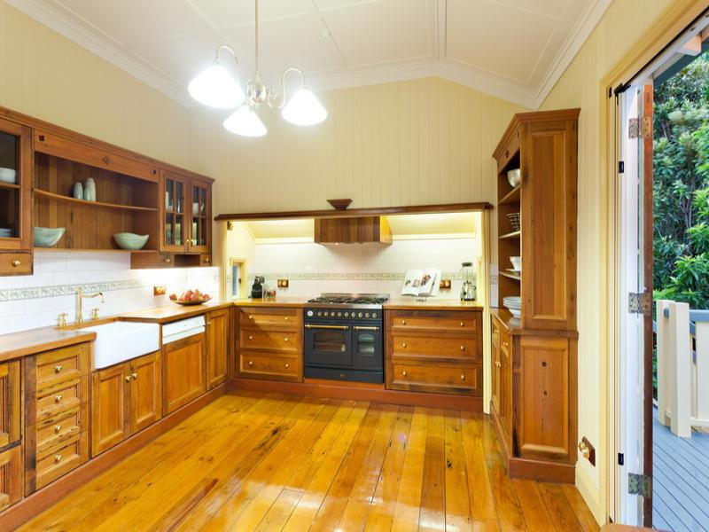 classic renovated elegant house (6)