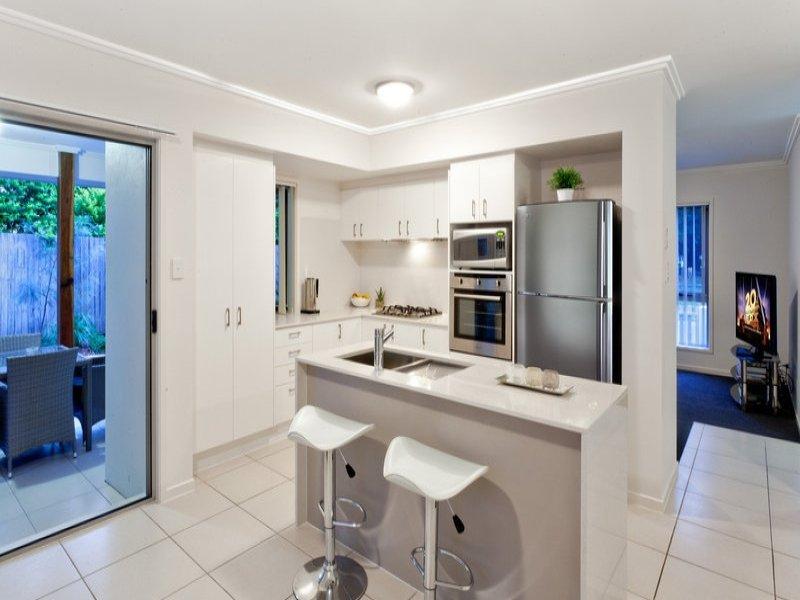 contemporary 2 storey 4 bedroom plain house (2)