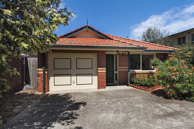 contemporary elegant brick house (1)