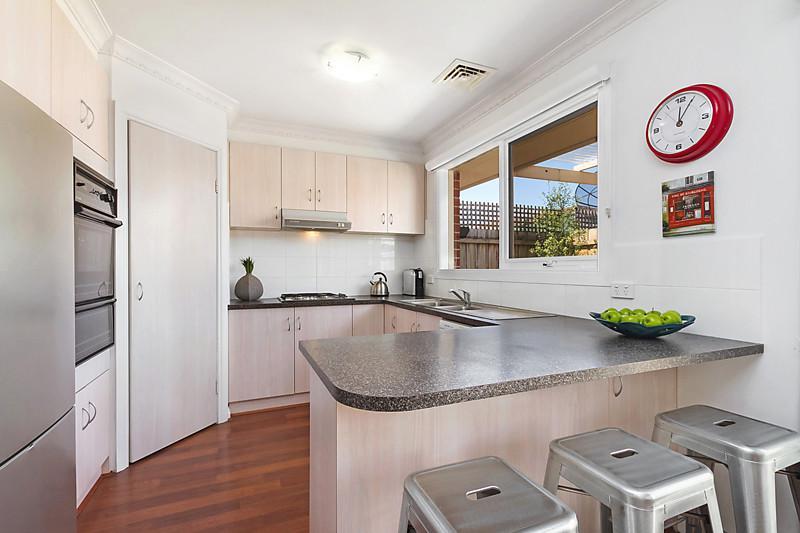 contemporary elegant brick house (4)