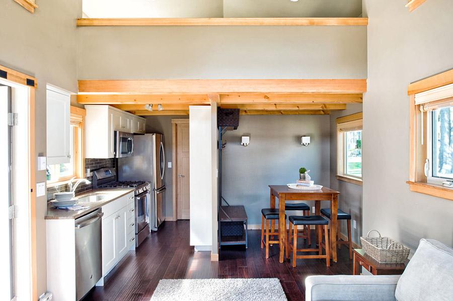 lakeside-black-patio-cottage (2)