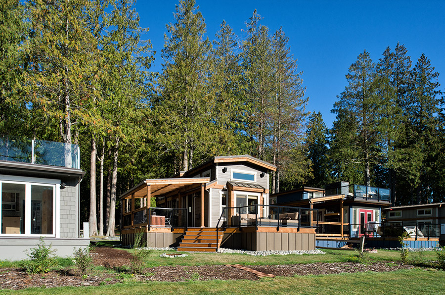 lakeside-black-patio-cottage (7)