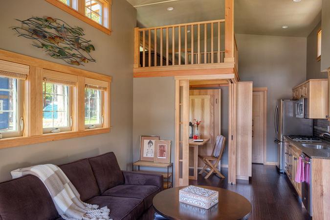 loft lakeside wooden retreat (3)