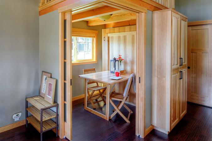 loft lakeside wooden retreat (4)