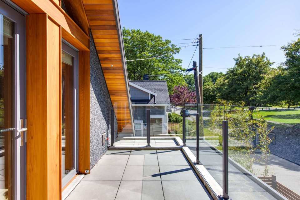 modern-laneway-cottage-for-a-young-family (11)