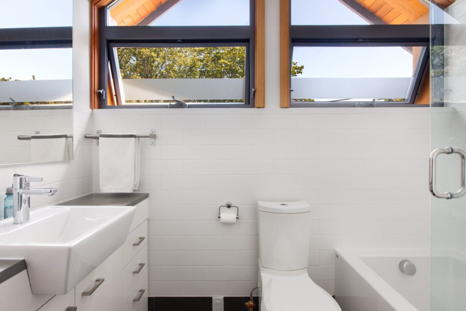 modern-laneway-cottage-for-a-young-family (12)