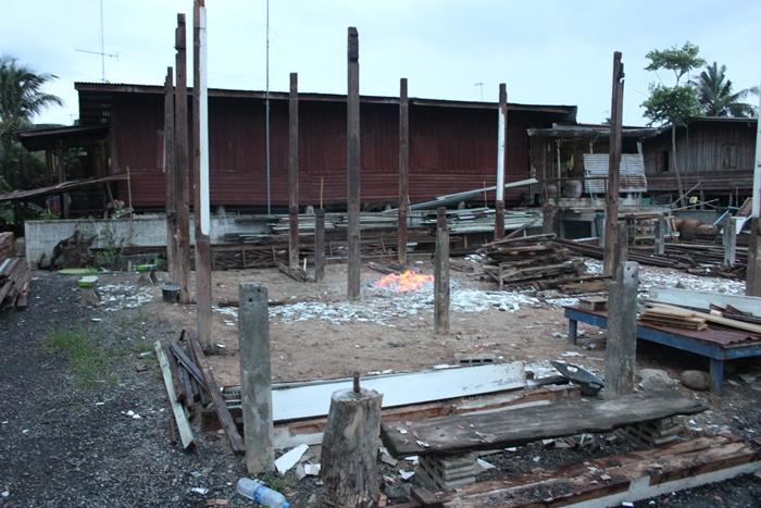 renovated oldschool thai house (2)