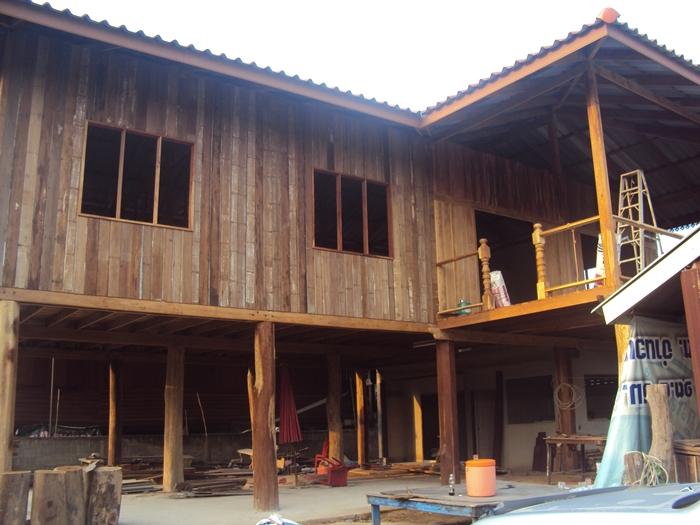 renovated oldschool thai house (39)