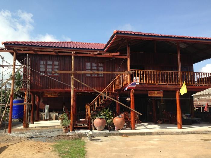 renovated oldschool thai house (65)