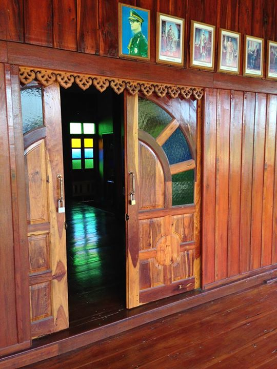 renovated oldschool thai house (72)