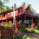 บ้านไม้ริมทะเล สัมผัสความคลาสสิคแบบไทยๆ ได้ที่เกาะสมุย จังหวัดสุราษฎร์ธานี