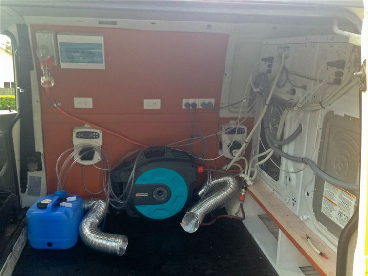 two-guys-took-a-van-transformed-it-into mobile laundry (10)