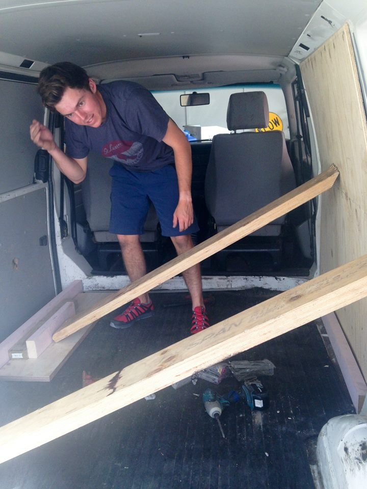 two-guys-took-a-van-transformed-it-into mobile laundry (3)