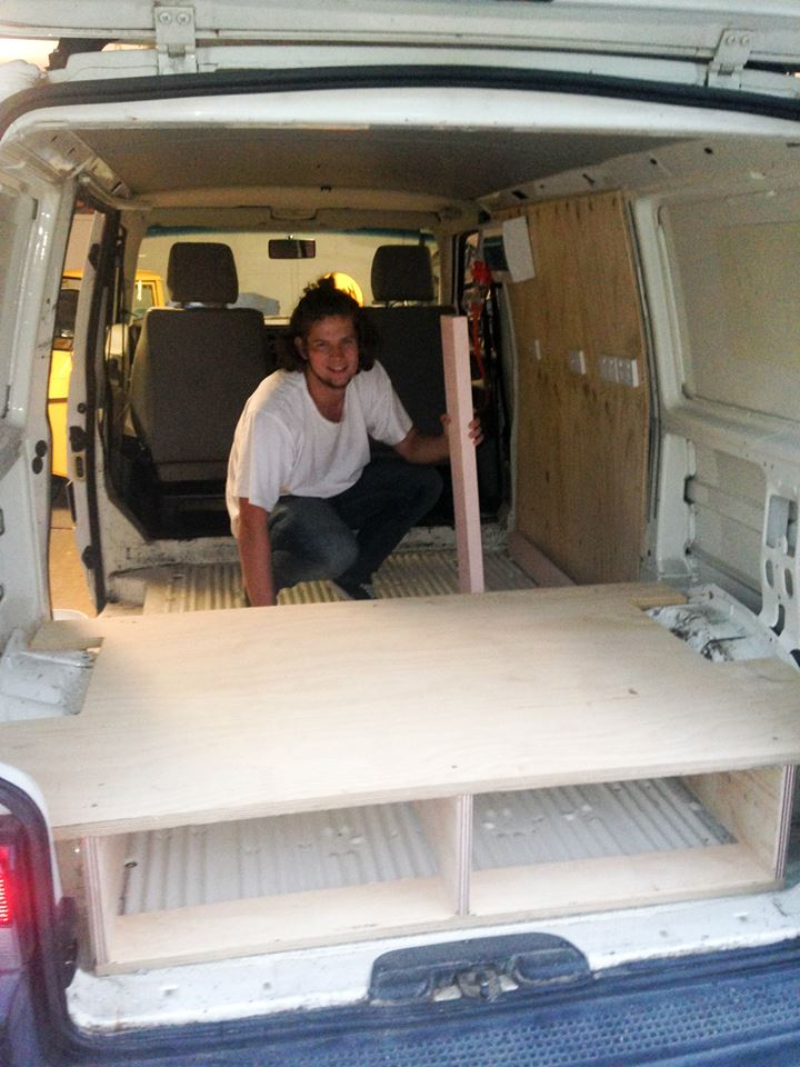 two-guys-took-a-van-transformed-it-into mobile laundry (4)