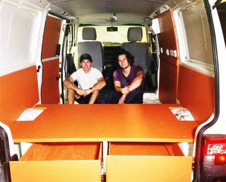 two-guys-took-a-van-transformed-it-into mobile laundry (9)