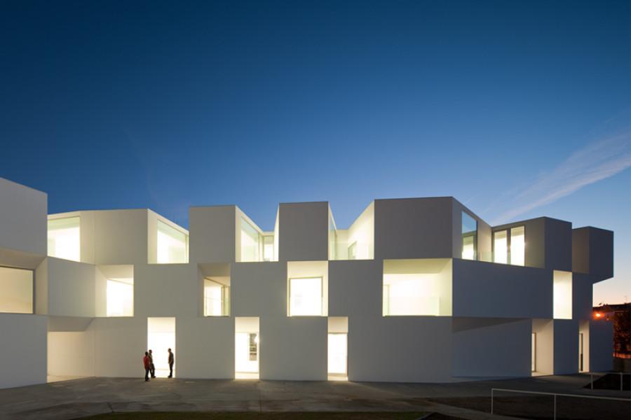 12-contemporary-building-designs-in-the-architecture-world (2)