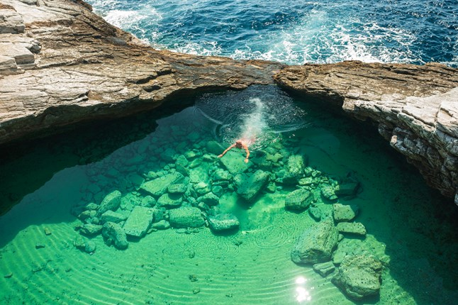 17 most amazing pools on the planet (1)