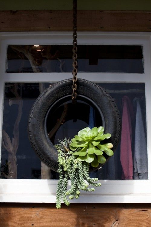 25-easy-peasy-recycled-diy-planters (16)
