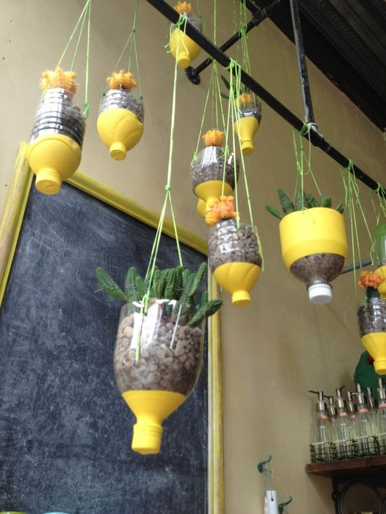 25-easy-peasy-recycled-diy-planters (18)