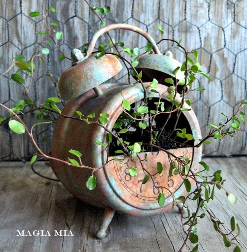 25-easy-peasy-recycled-diy-planters (2)