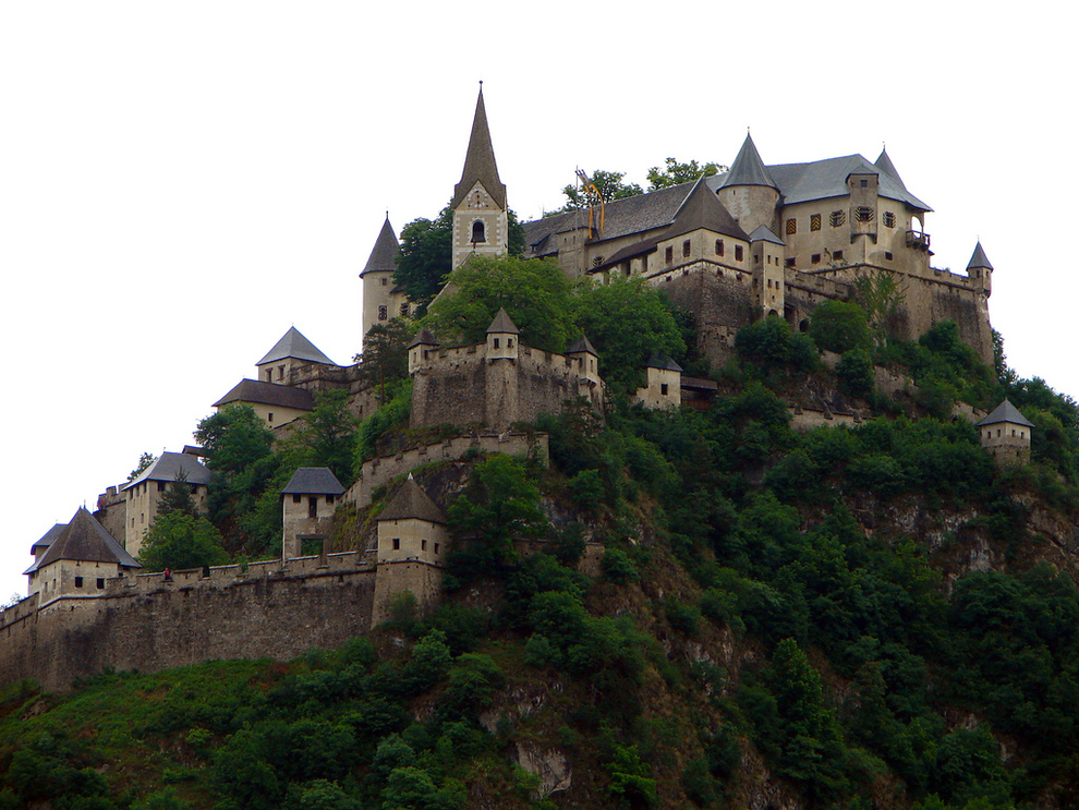 29-gorgeous-castles-from-around-the-world (22)