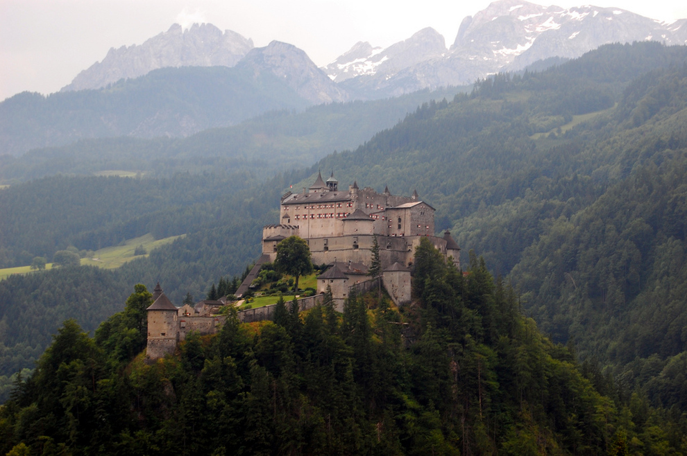 29-gorgeous-castles-from-around-the-world (8)
