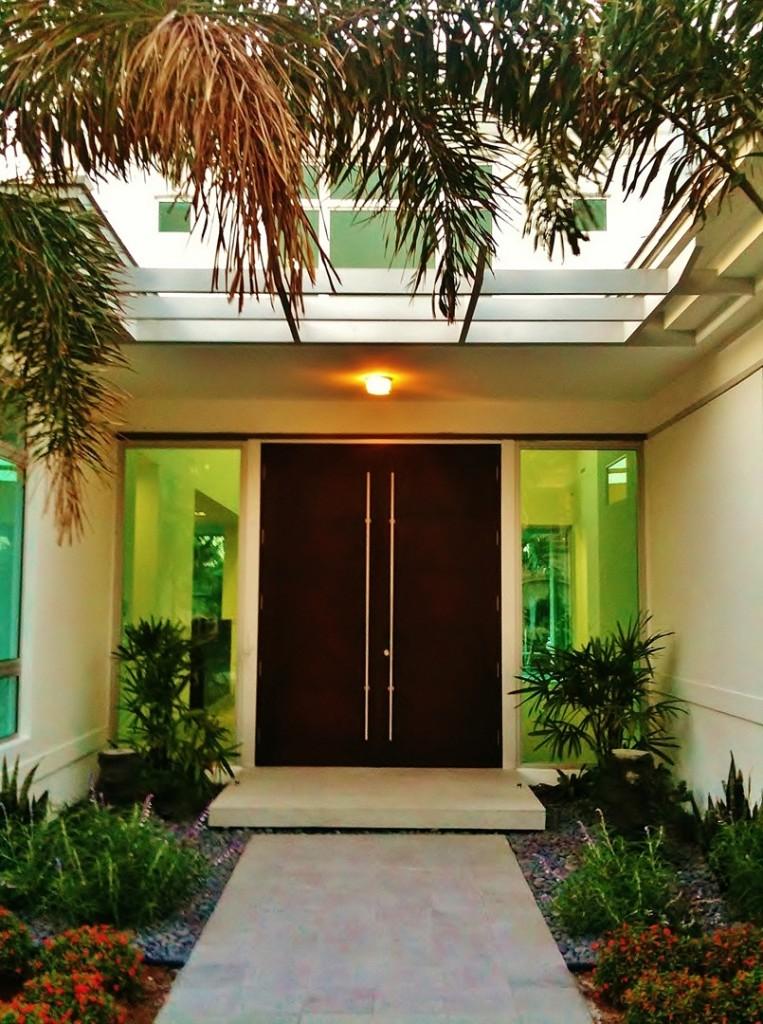 33-ultimate-front-door-designs (2)