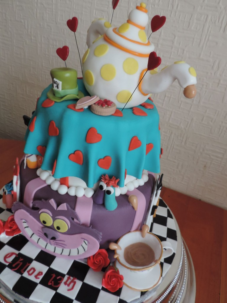 40-of-the-most-creative-cakes-that-are-too-cool-to-eat (23)