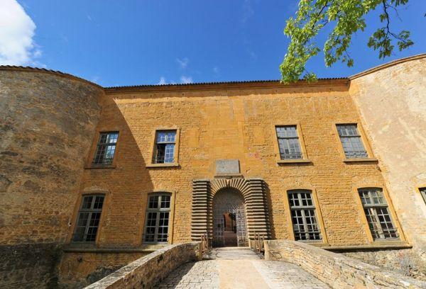 Chateau-de-Bagnols1