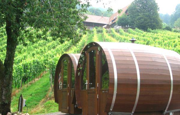 Schlafen-im-Weinfass-Wine-Barrel-Room2
