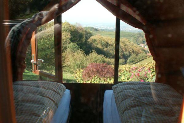 Schlafen-im-Weinfass-Wine-Barrel-Room3