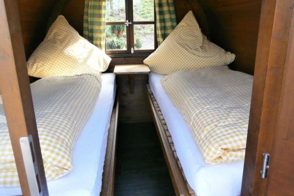 Schlafen-im-Weinfass-Wine-Barrel-Room4