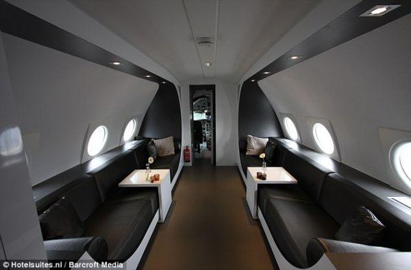 aiplane-hotel4