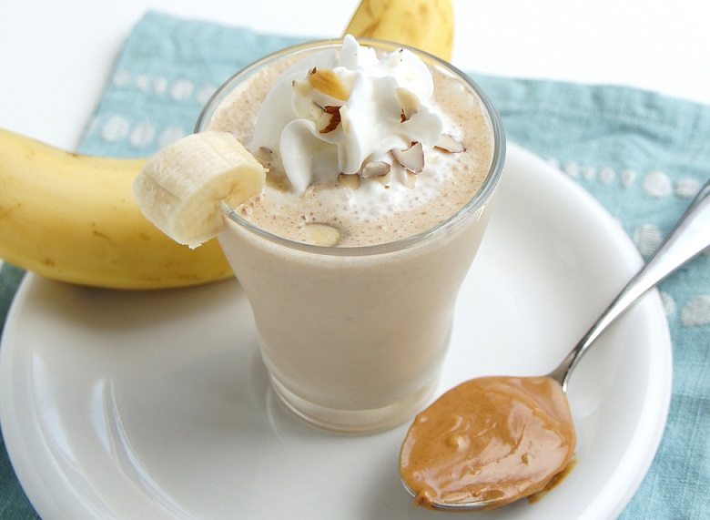 banana-peanuts-smoothie-recipe 1