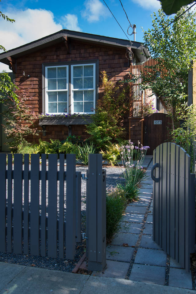 charming cozy gardenia cottage (1)