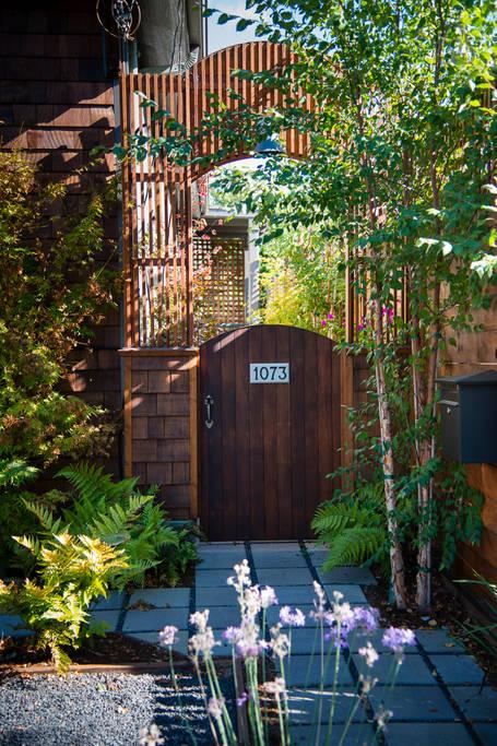 charming cozy gardenia cottage (2)