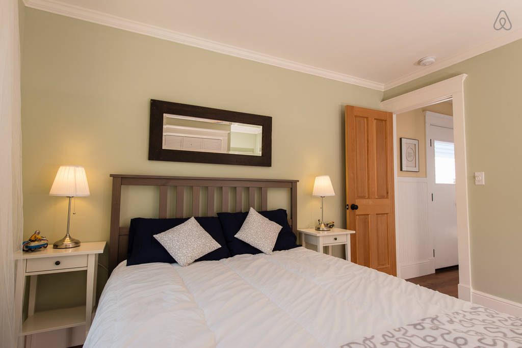 charming cozy gardenia cottage (5)