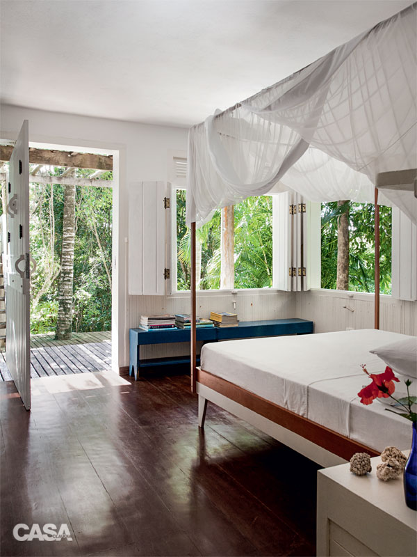 cozy white relaxation retreat (10)