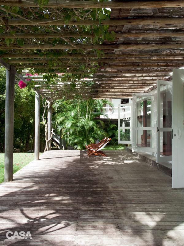 cozy white relaxation retreat (4)